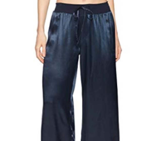 PJ Harlow Women/'s Jolie Capri Navy Blue Large